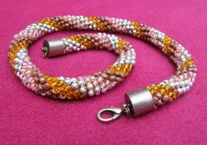 naszyjnik z koralików, biżuteria ręcznie robiona