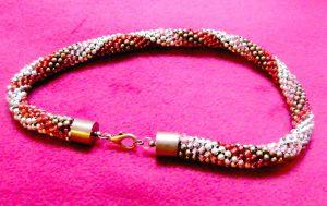 biżuteria ręcznie robiona, naszyjnik ukośnik na szydełku
